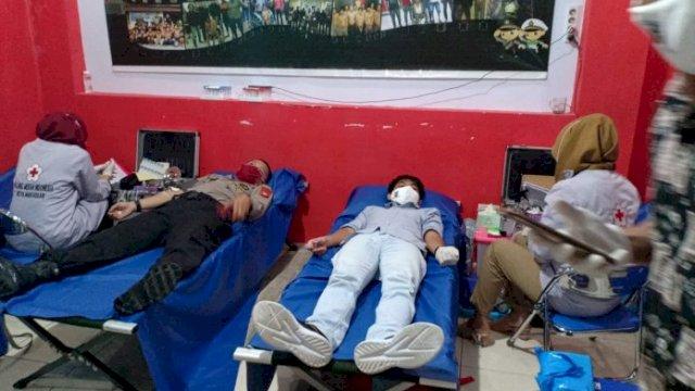 Bersama KNPI Sulsel, Polsek Panakukang Gelar Donor Darah Jelang HUT Bhayangkara
