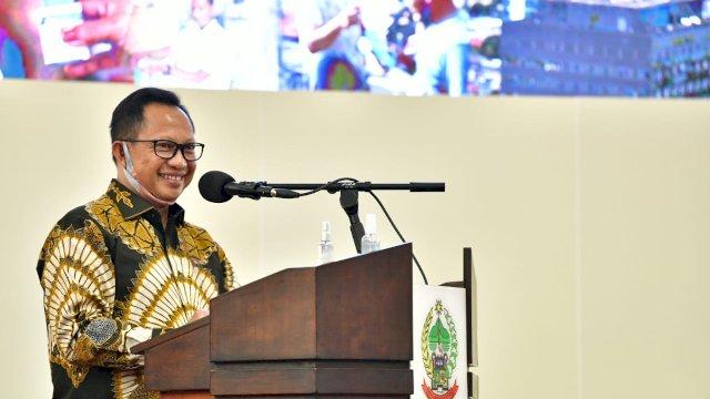 Tito Karnavian Beri Arahan Rapat Persiapan Pilkada Serentak di Sulsel