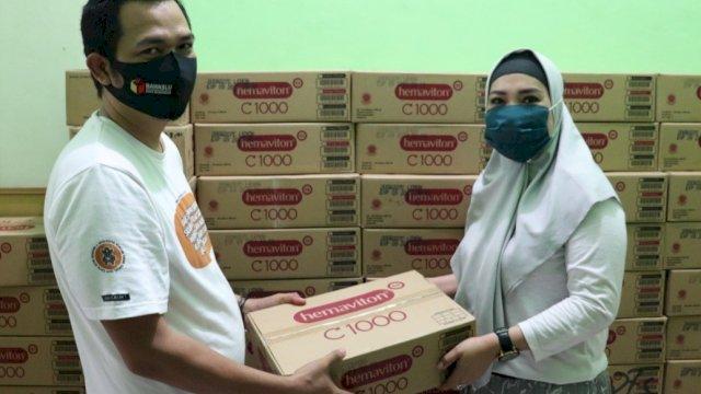 Jaga Kesehatan Pengawas, Bawaslu Makassar Salurkan APD