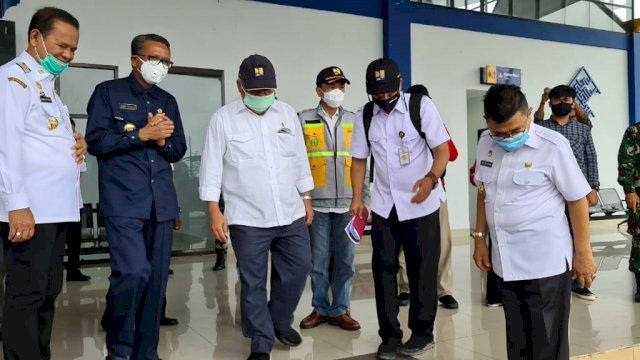 Gubernur Sulsel dan Menteri PUPR Tinjau Lokasi Banjir Bandang di Lutra