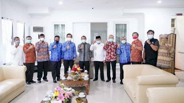 Wagub Sulsel Andi Sudirman Sulaiman menerima Forum Kerukunan Umat Beragama (FKUB) di rumah jabatannya Jalan Yusuf Dg Ngawing, Makassar, Jumat (17/7/2020).