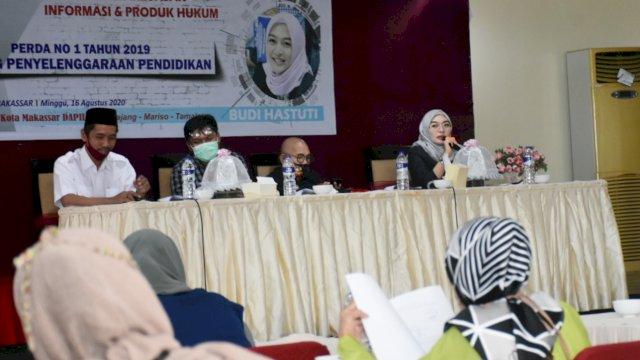 Anggota DPRD Makassar, Budi Hastuti sosialisasikan Perda Penyelenggaraan Pendidikan, di Aerotel Smile, Minggu (16/8/2020).