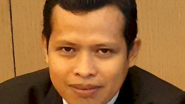 Dosen STIKES YAPIKA Makassar, Bustang, M.Pd