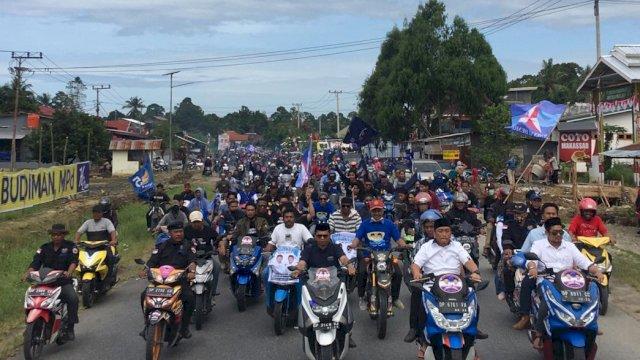 Ribuan masyarakat hadiri pengukuhan Tim Pemenangan Kecamatan Burau Ibas-Rio, di Desa Jalallaja, Kabupaten Luwu Timur, Kamis (27/8/2020).