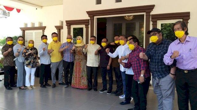 Seluruh anggota Fraksi Partai Golkar (FPG) DPRD Sulsel mendukung penuh kebijakan Ketua Golkar Sulsel terpilih, Taufan Pawe, Jumat (28/8/2020).