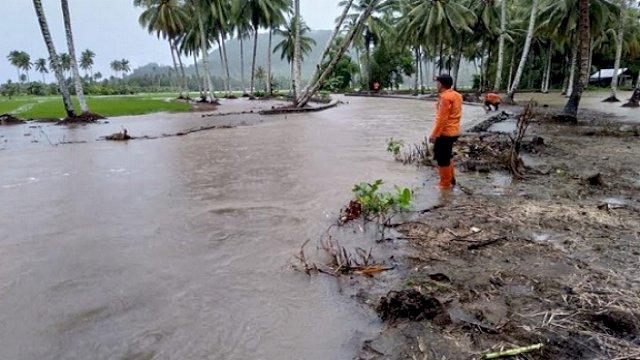 Ilustrasi: Banjir menerjang sejumlah wilayah di Sulawesi, salah satunya di Kabupaten Bolaang Mongondow (Bolmong), Sulawesi Utara. (int)