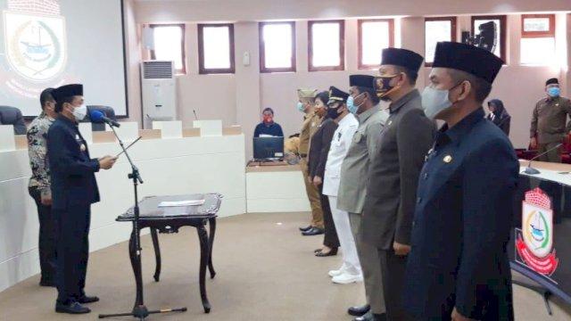 Pj Wali Kota Makassar, Prof Rudy Djamaluddin melantik 32 pejabat eselon III dan eselon IV, di Ruang Sipakatau, Kantor Balaikota Makassar, Jumat (4/9/2020).