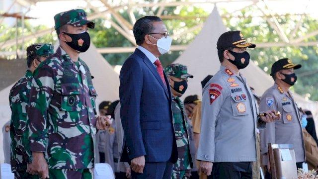 Gubernur Sulsel Nurdin Abdullah menghadiri pencanangan Gerakan Trisula dalam upaya menekan penyebaran Covid-19 di Lapangan Karebosi Makassar, Kamis (10/9/2020).