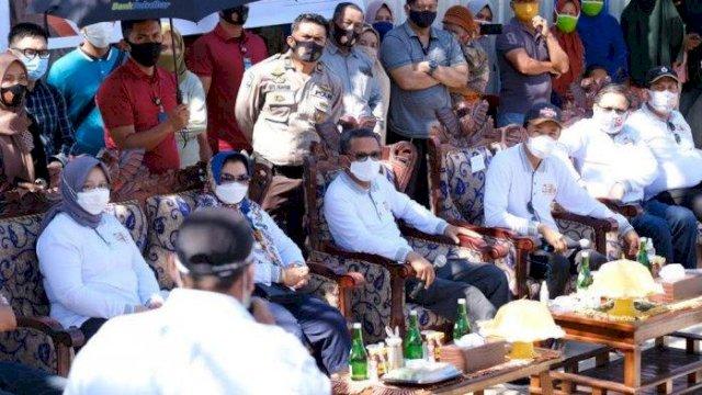 Gubernur Sulawesi Selatan, Prof. HM Nurdin Abdullah berkunjung ke Pulau Lae-Lae Kota Makassar, Sabtu (12/9/2020).