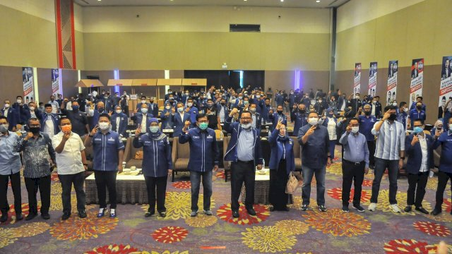Ketua Demokrat Sulsel, Ni'matullah menginstruksikan seluruh kader Demokrat mengangkan Appi-Rahman di Pilkada Makassar.