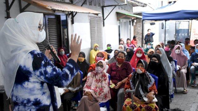 Anggota DPRD Makassar, Andi Rachmatika Dewi menjawab keluhan warga kecamatan Makassar yang butuh fasilitas sekolah.