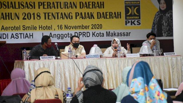 Anggota DPRD Makassar, Andi Astiah sosialisasikan Perda Pajak Daerah, di Aerotel Smile, Senin (16/11/2020).