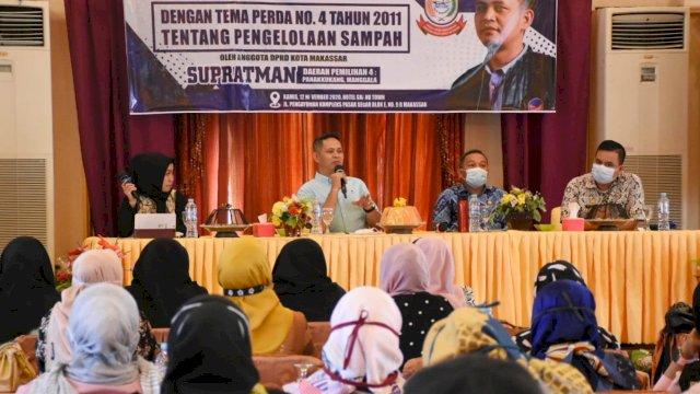 Anggota DPRD Makassar, Supratman Sosialisasikan Perda Pengelolaan Sampah, di Hotel Grand Town, Kamis (12/11/2020).