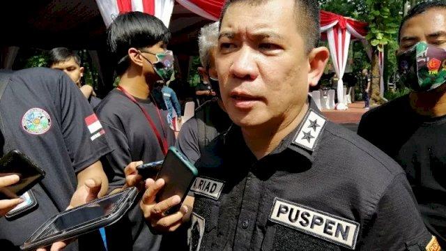Kapuspen TNI Mayjen TNI Achmad Riad saat memberikan keterangan pers Mabes TNI Cilangkap, Jakarta Timur, Jumat (13/11/2020). ANTARA/Syaiful Hakim.