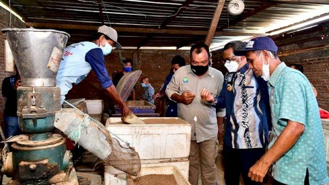 Pabrik Pakan Ikan di Pinrang Mampu Produksi 1 Ton Sehari, Dipasarkan hingga Kalimantan