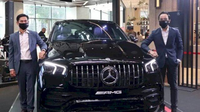Mercedes-AMG GLE 53 4MATIC Coupé diluncurkan pada STAR EXPO di Astha District 8 SCBD Jakarta, Kamis (3/12/2020). (ANTARA/Arnidhya Nur Zhafira)