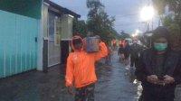 Komunitas Pendukung Danny-Fatma Berpencar Bantu Korban Banjir di Manggala
