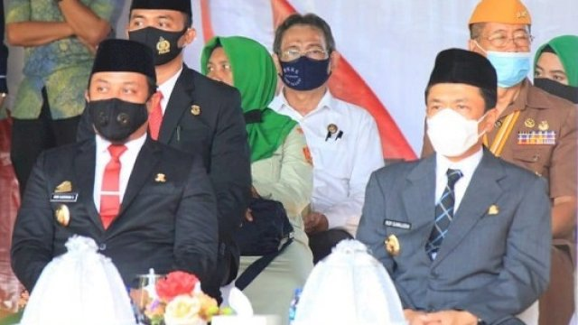 Wagub Sulsel Andi Sudirman Sulaiman saat peringatan Korban 40.000 Jiwa ke-74 Tahun di Monumen Korban 40.000 Jiwa di Jalan Langgau, Makassar, Jumat (11/12/2020).