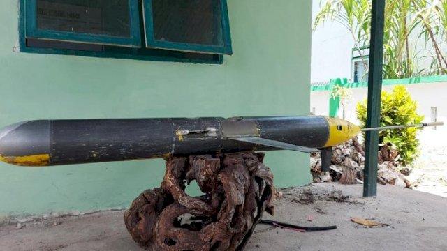 Benda yang ditemukan di Selayar oleh nelayan yang disebut sebagai seaglider. (int)