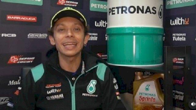 Penampilan perdana Valentino Rossi berseragam tim Petronas Yamaha SRT. Foto: Instagram @sepangracingteam.