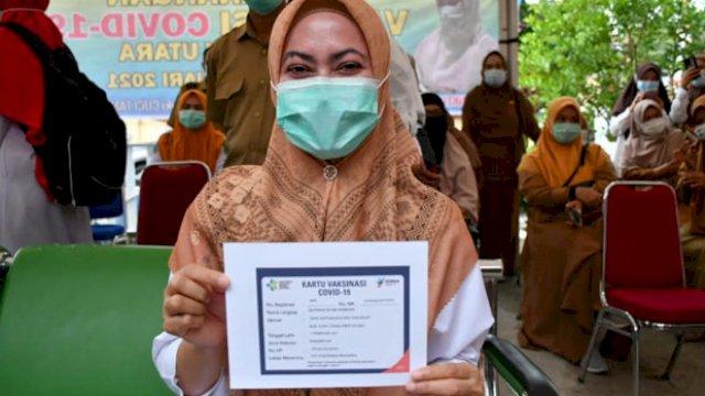 Bupati Luwu Utara, Indah Putri Indriani, yang disuntik vaksin pada 1 Februari lalu, kembali akan menerima vaksin dosis kedua pada 15 atau 16 Februari mendatang. (int)