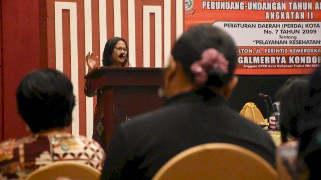 Anggota DPRD Makassar, Galmerrya Kondorura sosialisasikan Perda Pelayanan Kesehatan, di Hotel Dalton, Sabtu (27/2/2021).