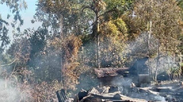 Rumah Dilalap Jago Merah, Uang Tunai Belasan Juta dan 50 Gram Emas Ikut Terbakar