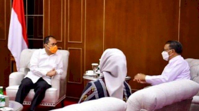 Walikota dan Wakil Walikota Makassar terpilih, Danny Pomanto dan Fatmawati Rusdi, bersilaturahmi dengan Gubernur Sulsel Nurdin Abdullah di Kantor Gubernur, Rabu (24/2/2021).
