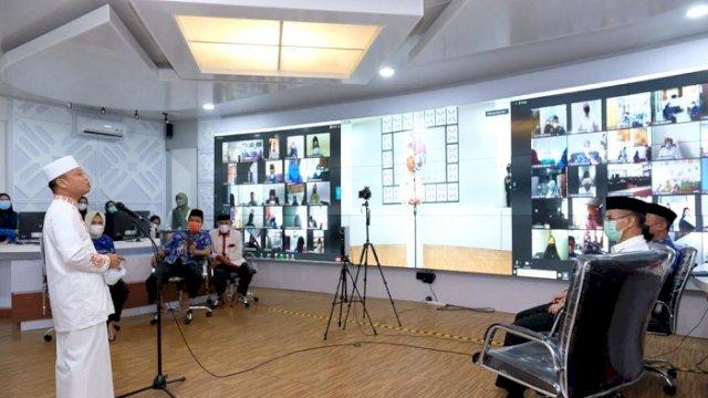 Dai Nasional Ustadz Das'ad Latif saat menjadi penceramah pada Program PQJI Pemkab Gowa secara virtual di Peace Room A'Kio, Kantor Bupati Gowa, Jumat (19/2/2021).
