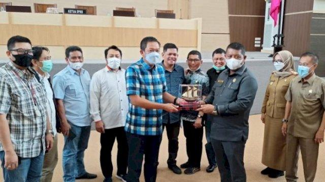 Pelajari Reklamasi Pesisir Laut, Komisi C DPRD Makassar 'Terbang' ke Kendari