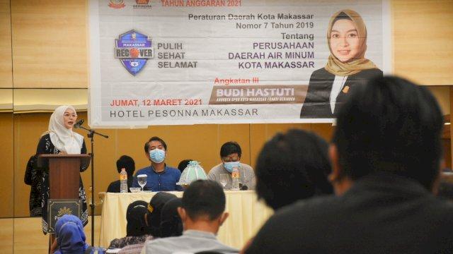 Anggota DPRD Makassar, Budi Hastuti sosialisasikan Perda Perumda Air Minum di Hotel Pessona, Jumat (12/3/2021).