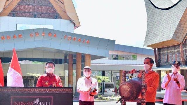 Presiden Joko Widodo meresmikan Bandara Buntu Kunik di Tana Toraja, Kamis (18/3/2021).