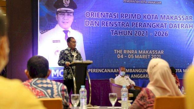 Walikota Makassar Danny Pomanto saat orientasi RPJMD dan Renstra Perangkat Daerah Kota Makassar 2021 di Hotel Rinra Makassar, Kamis (4/3/2021). ()