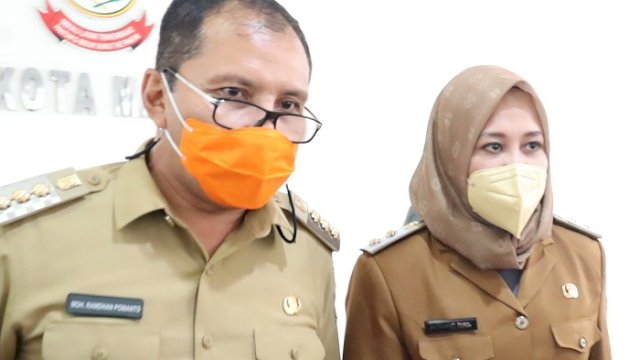 "Walikota dan Wakil Walikota Makassar Moh Ramdhan ""Danny"" Pomanto dan Fatmawati Rusdi. ()"