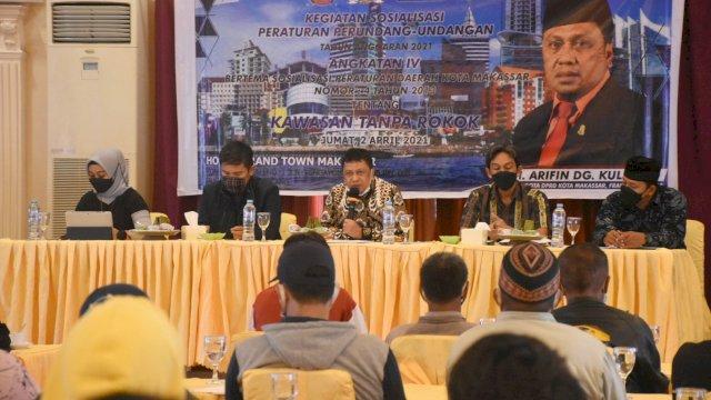 Anggota DPRD Makassar, Arifin Dg Kulle sosialisasikan Perda Kawasan Tanpa Rokok (KTR), di Hotel Grand Town, Jumat (2/4/2021).