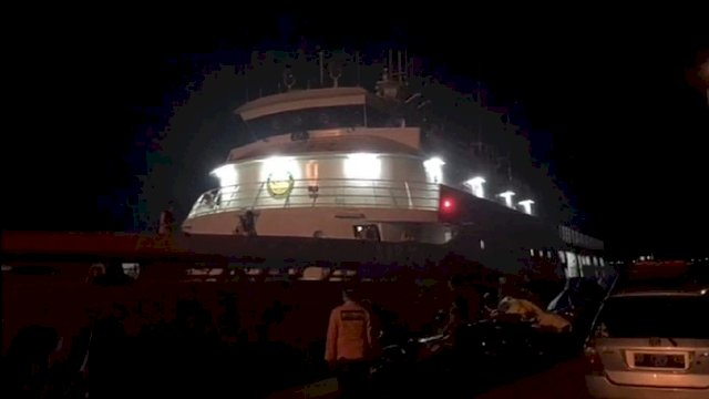 Kapal KN Kamajaya (dok. Basarnas Makassar/int)