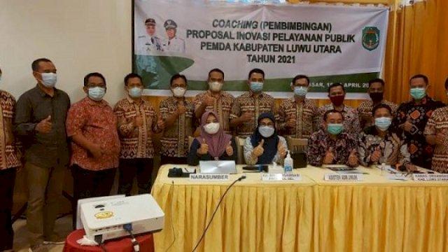 Coaching Mandiri Proposal Inovasi Pemda Lutra, Minggu (8/4/2021), di Hotel Grandtown, Makassar.