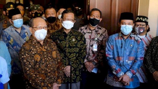 Menteri Koordinator Bidang Politik Hukum dan Keamanan (Menko Polhukam) Mahfud MD saat kunjungan kerjanya di Kota Makassar, Jumat (23/4/2021).
