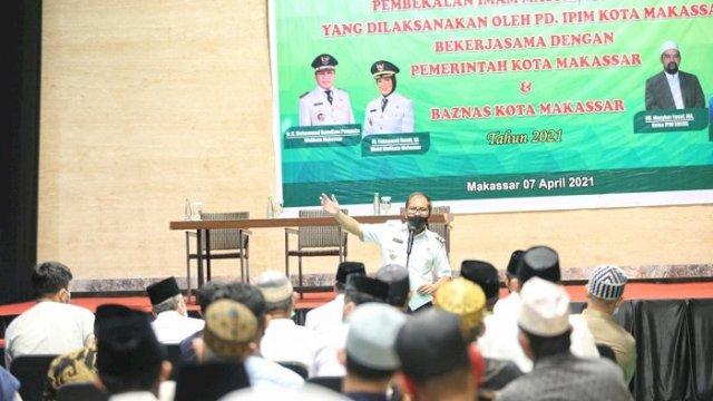 Walikota Danny Ajak Imam di Makassar Tingkatkan Kualitas Diri