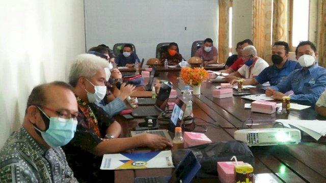 Ekspose akhir studi kelayakan rencana pembangunan kawasan Sport Center di Aula Kantor Balitbangda Sinjai, Jumat (9/4/21).