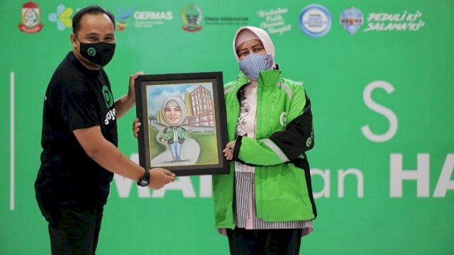 Gojek Vaksinasi 600 Mitra, Khomeiny: Dukung Makassar Recover