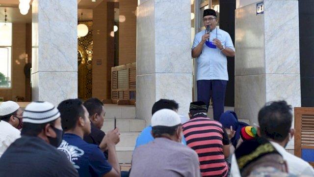 Ilham Arief Sirajuddin saat di Masjid Amirul Mukminin, Minggu (25/4/2021).