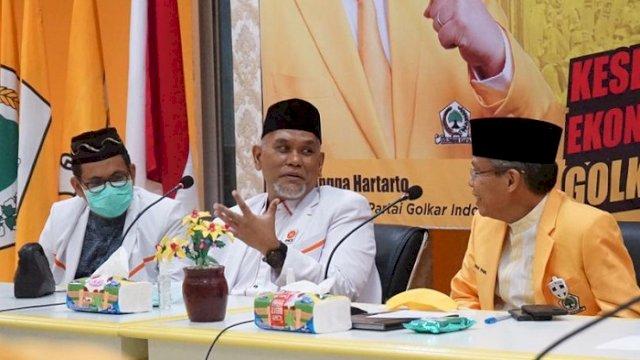 Ketua DPW PKS Sulsel Amri Arsyid dan Ketua Golkar Sulsel Taufan Pawe di Kantor DPD I Golkar Sulsel di Jalan Amanagappa, Kamis (29/4/2021).