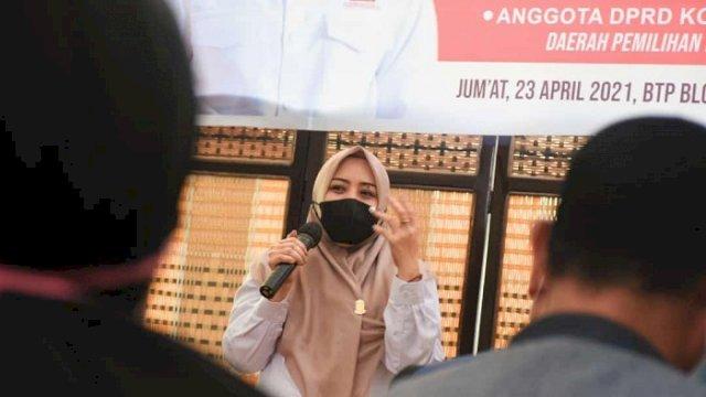 Anggota DPRD Kota Makassar, Nunung Dasniar menggelar Reses Kedua Masa Persidangan Kedua Tahun Anggaran 2020-2021 di BTP, Kelurahan Buntusu, Jumat (23/4/2021).