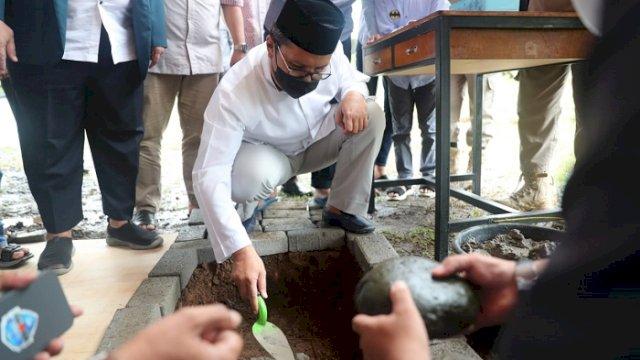 Walikota Letakkan Batu Pertama Pembangunan Asrama STIBA di Manggala