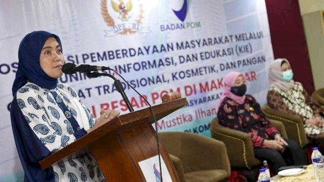 Anggota Komisi IX DPR RI, Aliyah Mustika Ilham sosialisasi pemberdayaan masyarakat melalui Komunikasi Informasi dan Edukasi (KIE) cerdas memilih obat, obat tradisional, kosmetik dan pangan aman di Aerotel Smile, Jumat (30/4/2021).