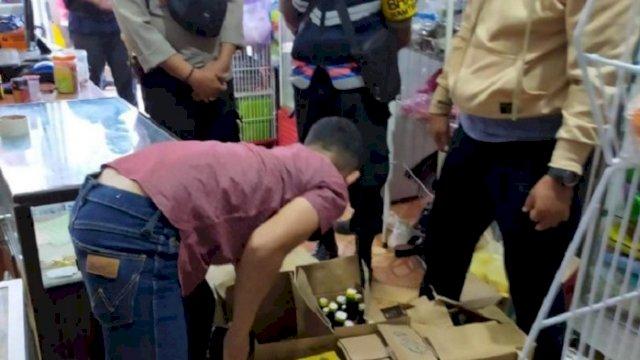 Razia Warung, Polisi Sita Ratusan Botol Miras