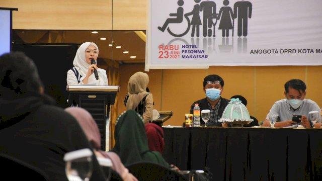 Anggota DPRD Makassar, Budi Hastuti sosialisasikan Perda Pemenuhan Hak-hak Penyandang Disabilitas, di Hotel Pessona, Rabu (23/6/2021).
