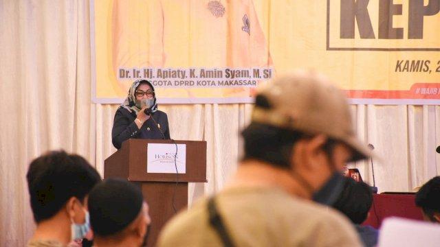 Anggota DPRD Makassar, Apiaty Amin Syam sosialisasikan Perda Kepemudaan, di Horizon, Kamis (24/6/2021).