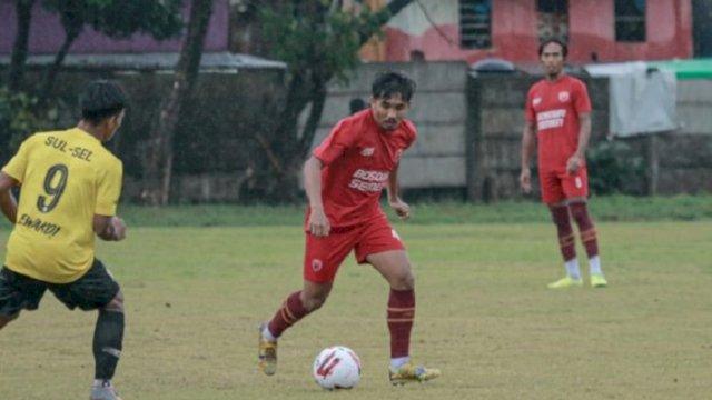 PSM Makassar saat menggelar laga uji coba melawan Tim PON Sulsel. PSM menang dengan skor 4-0 dalam laga yang digelar di Lapangan Bosowa Sport Center, Jumat (25/6/2021) lalu.